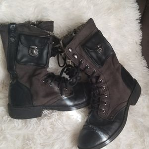Boots size 7 roxy  used good condition
